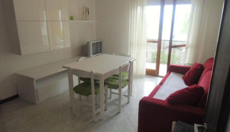 affitto-appartamento-con-piscina-e-posto-auto-direttamente-sul-mare