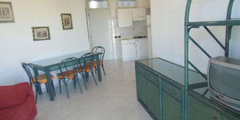appartamento-bilocale-in-affitto-per-vacanze-con-piscina-e-parcheggio