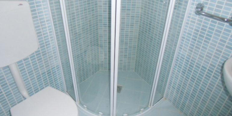 appartamento-con-ascensore-piscina-e-posto-auto-in-affitto-per-vacanze