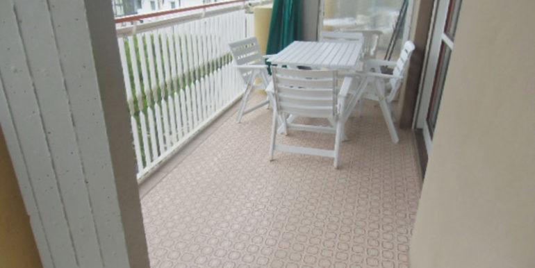 apprtamento-vicino-al-mare-con-piscina-e-parcheggio-in-affitto-per-vacanze