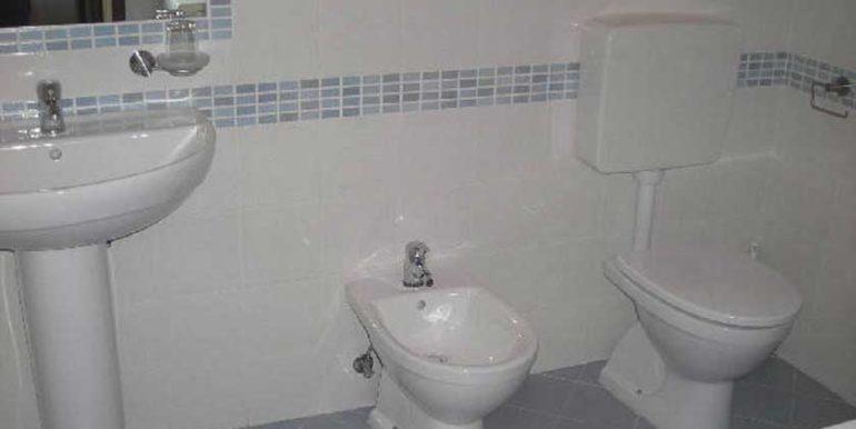 bagno-appartamento-in-affitto-condominio-al-faro-lignano-sabbiadoro