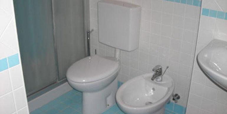 bilocale-in-affitto-condomio-frontemare-con-parcheggio
