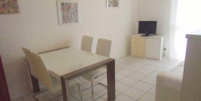 cucina-appartamento-vacanza-in-affitto-agenzia-meridiana