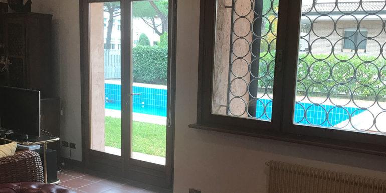 villa-con-piscina-in-vendita-a-lignano-sabbiadoro-singola