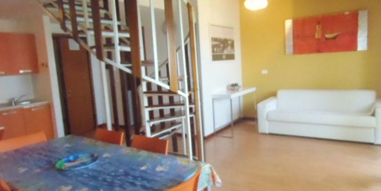 agenzia-meridiana-offerta-appartamento-fronte-mare