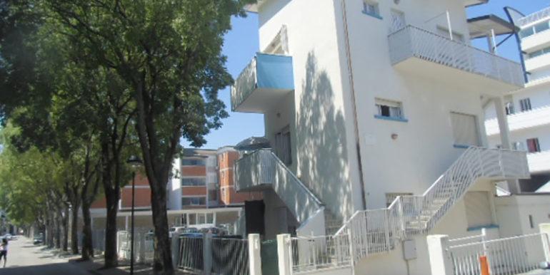 Villa bianca n 5._._._._._._.06.07.2014.- 001